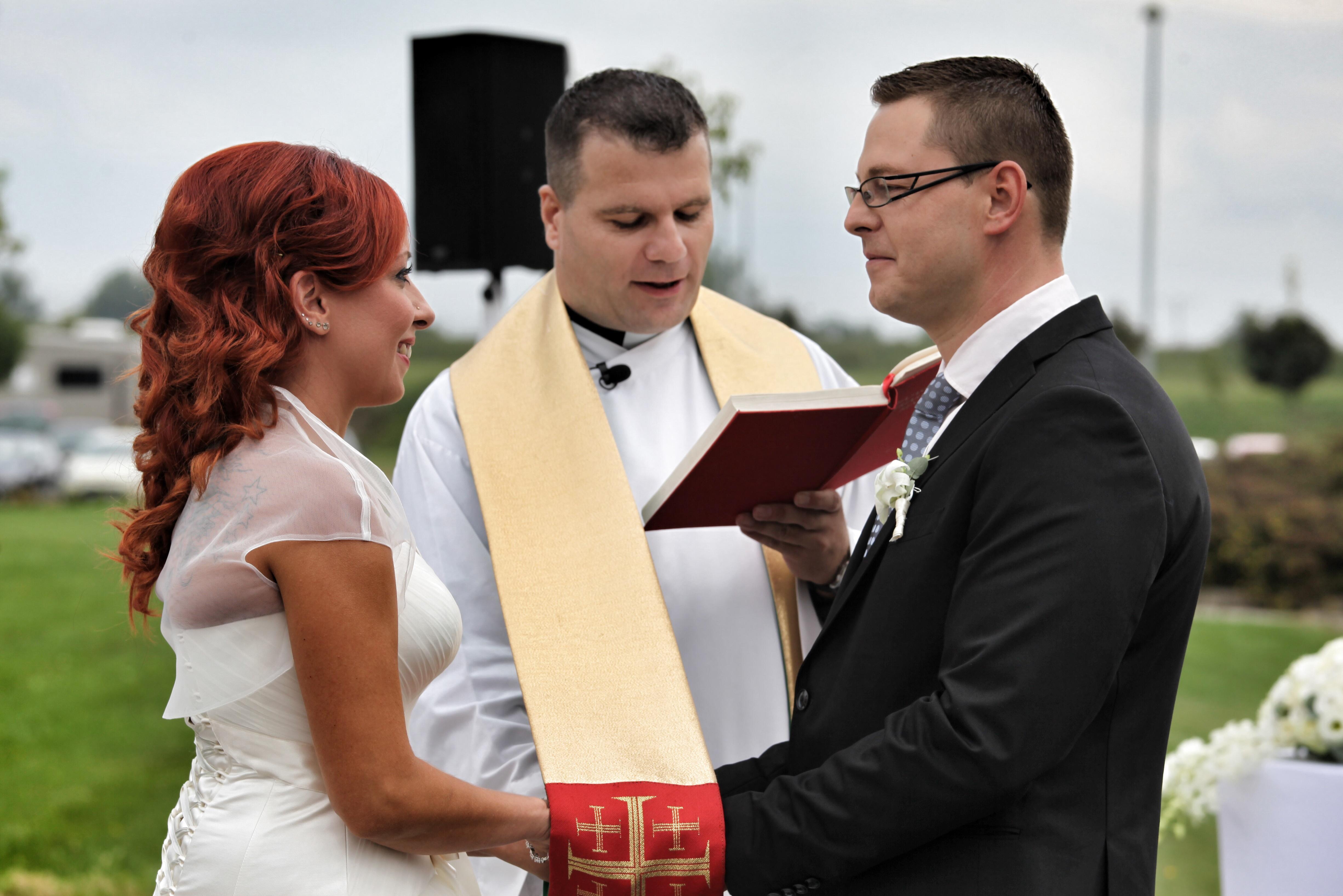 475871f94e Egyházi esküvő | Krisztus Keresztje Keresztény Egyház
